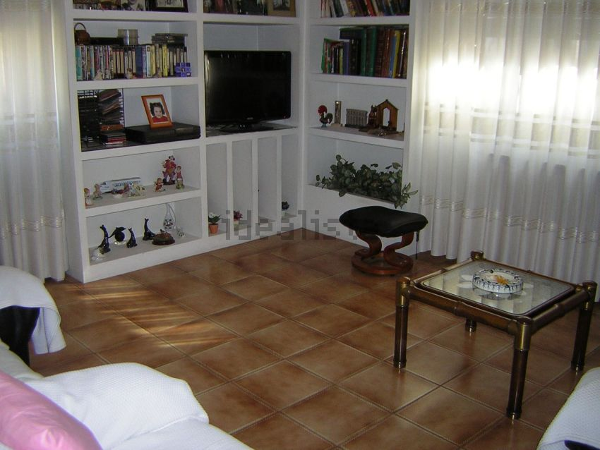 Chalet adosado en calle Esquedas, Arrabal, Zaragoza