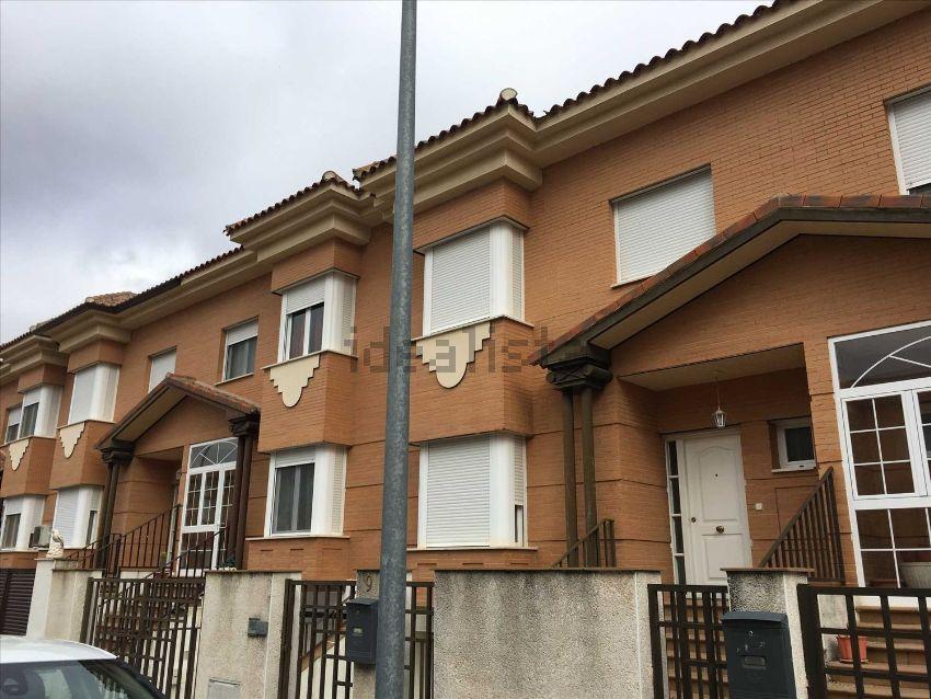 Chalet adosado en Puerta de Murcia - Colegios, Ocaña