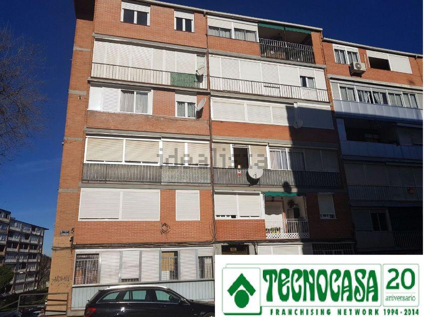 Piso en calle Camarena, Aluche, Madrid