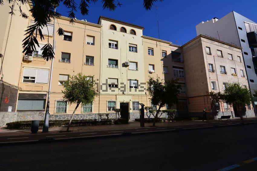Piso en calle poeta paco aquino, Altamira - Oliveros - Barrio Alto, Almería