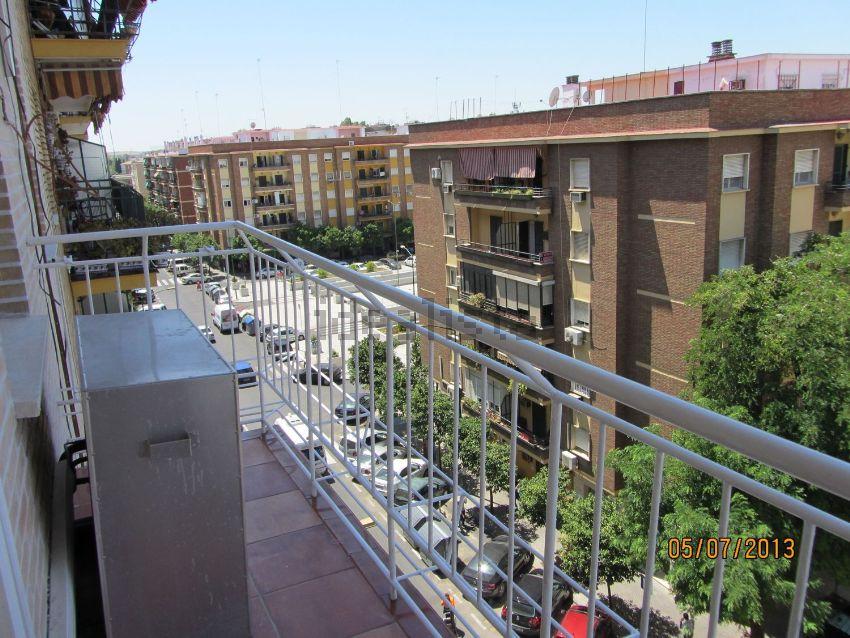Piso en calle Castillo de Alcala de Guadaira, 9, Bami - Pineda, Sevilla