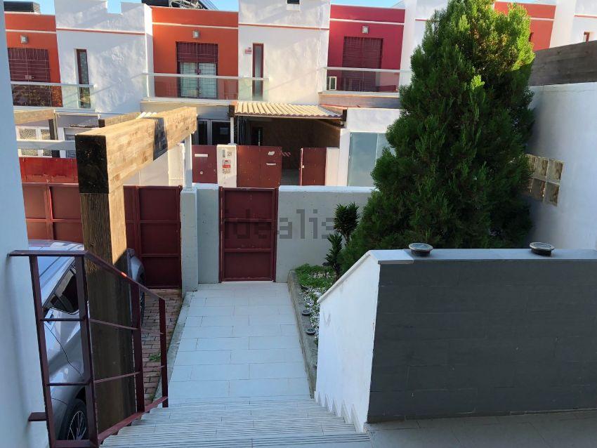 Chalet adosado en calle Torre del Diablo, 22, San García - La Juliana, Algeciras