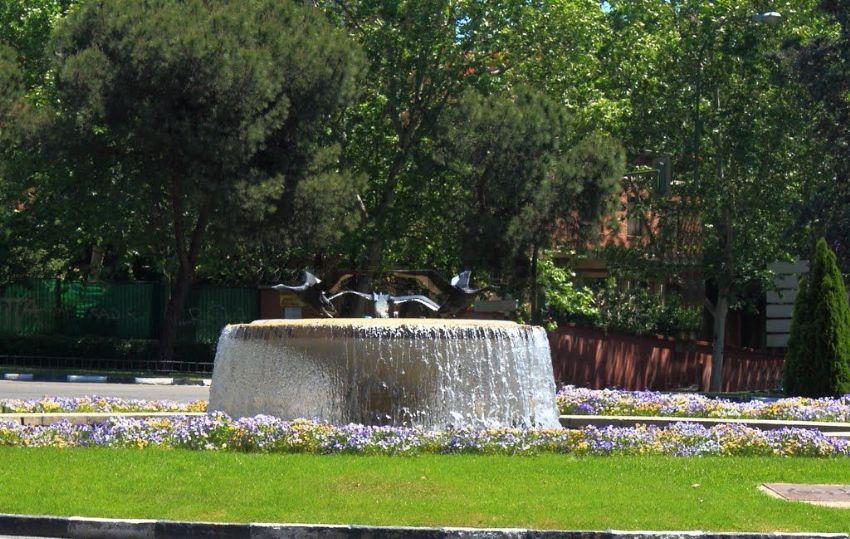 Piso en calle del Poeta Esteban Villegas, Jerónimos, Madrid