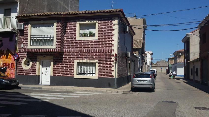 Chalet en calle alcubierre, Casetas - Garrapinillos - Monzalbarba, Zaragoza