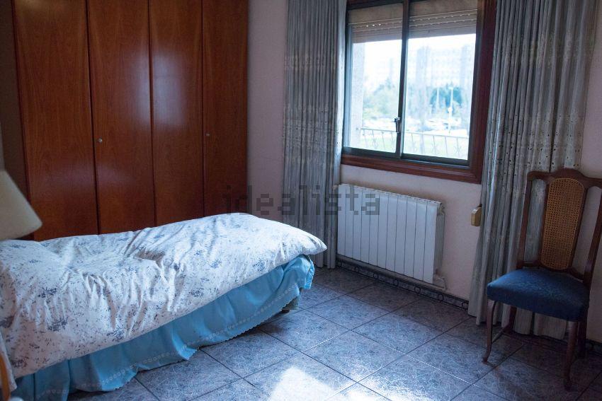 Piso en calle de lleó fontova, Fontsanta, Cornellà de Llobregat