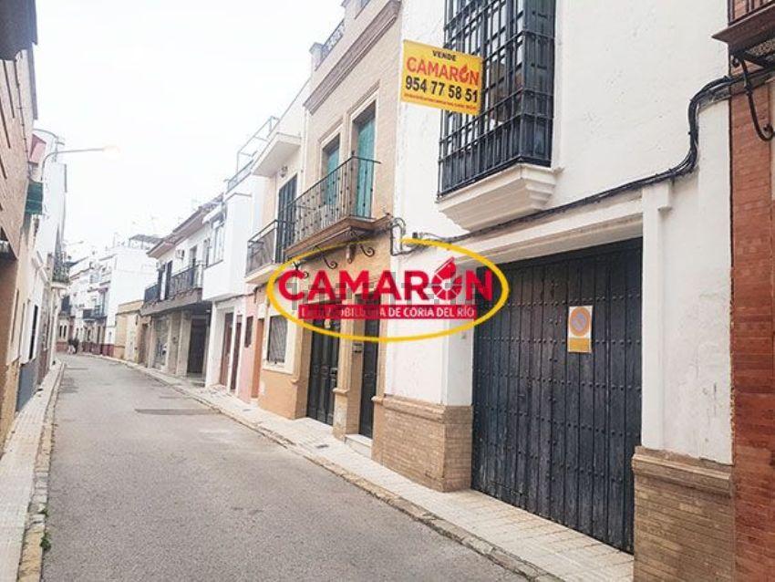 Chalet adosado en calle Canalejas, 12, Coria del Río