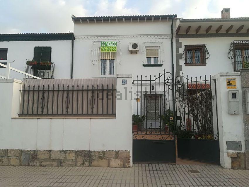 Chalet adosado en calle Pintor Rodríguez de la Torre, 35, Peñamefecit - Avda Bar