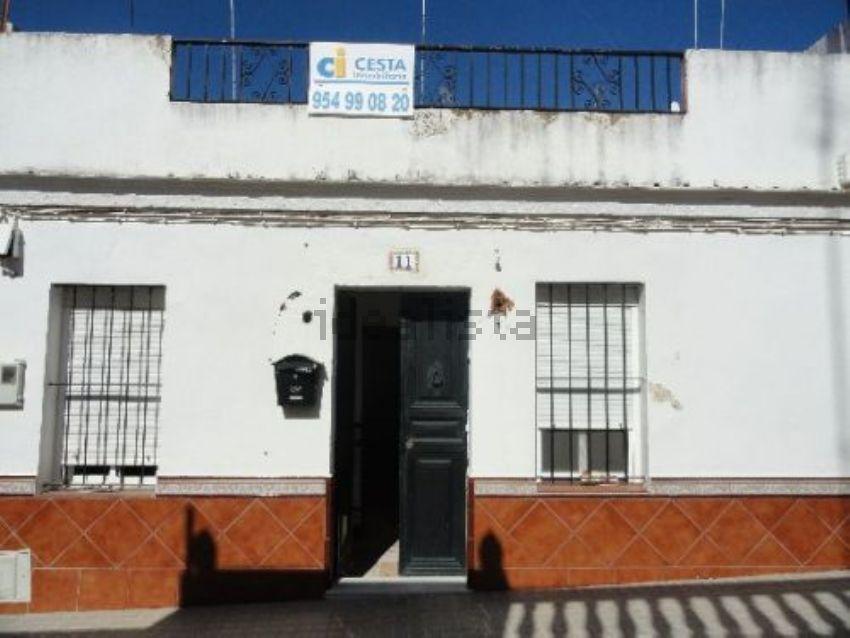 Chalet adosado en calle pío xii, Mairena del Alcor