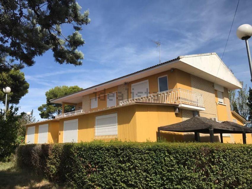 Casa o chalet independiente en CANTARRANAS, Casetas - Garrapinillos - Monzalbarb