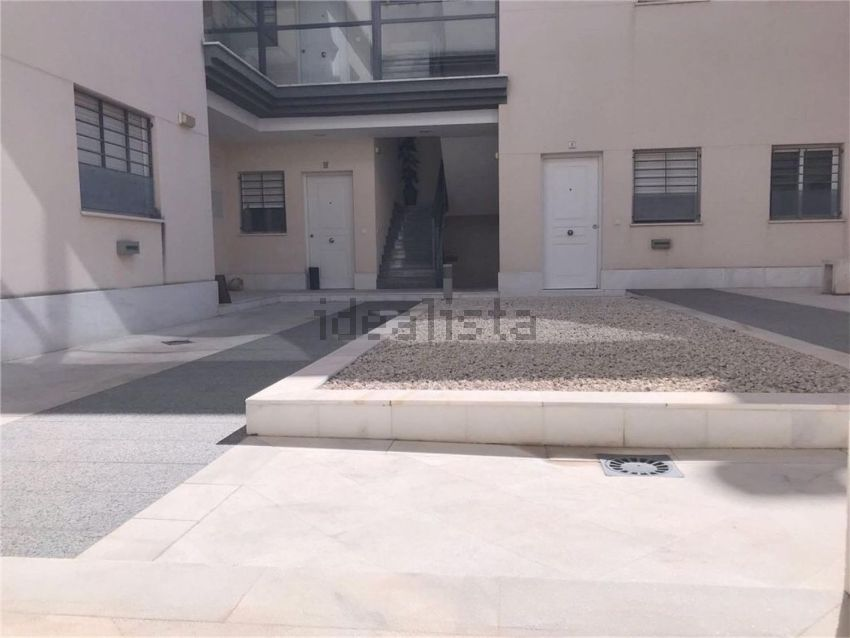 Piso en calle Rafael Fruhbeck De Burgos, 118, Centro - Doña Mercedes, Dos Herman
