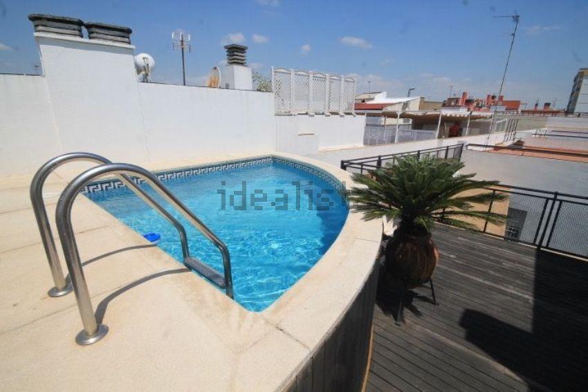 15 ticos en venta con piscina privada idealista news - Atico con piscina ...