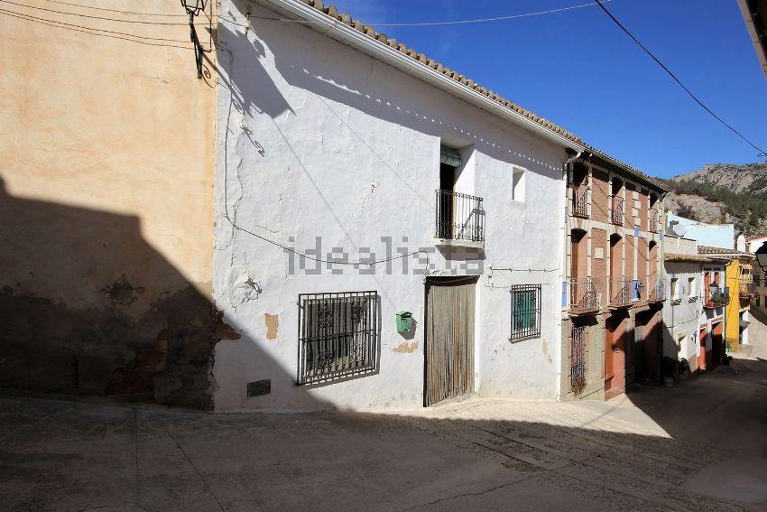 Chalet adosado en calle del Calvari, Bolulla