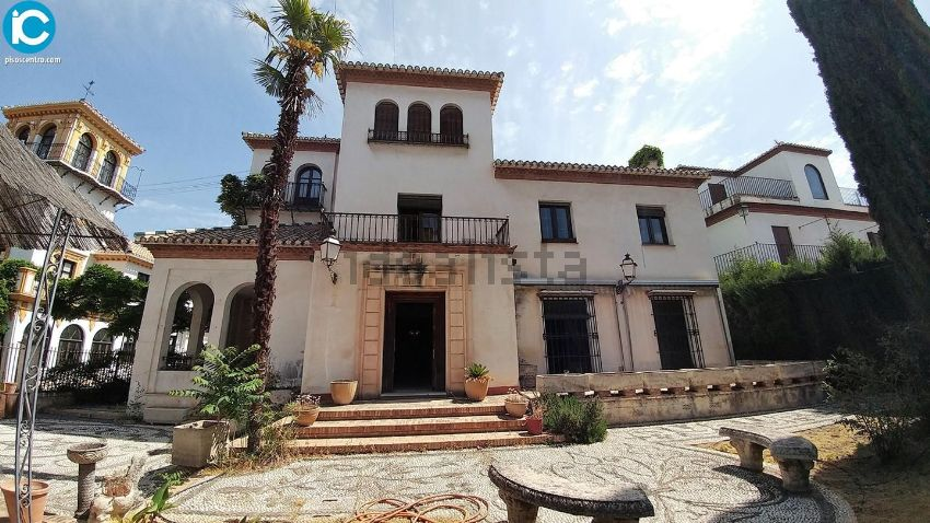 Chalet en calle molinos, Realejo, Granada