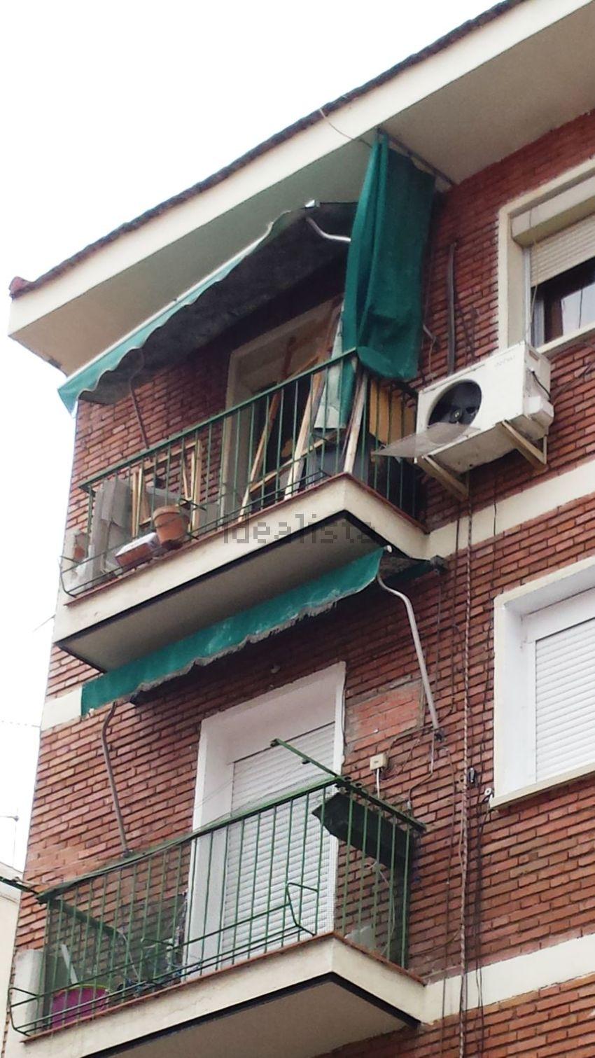Piso en calle de Ferroviarios, Almendrales, Madrid