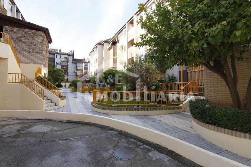 Piso en calle Matilde de La Torre, 22, Parque Nueva Granada, Granada