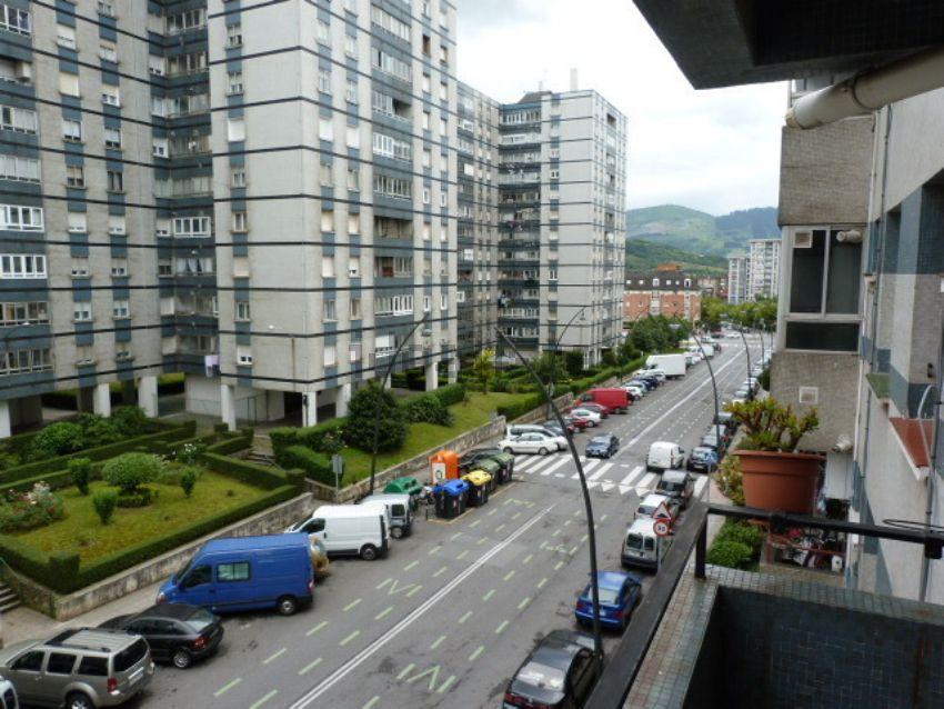 Piso en calle Julian Gaiarre, 51, Otxarkoaga - Txurdinaga, Bilbao