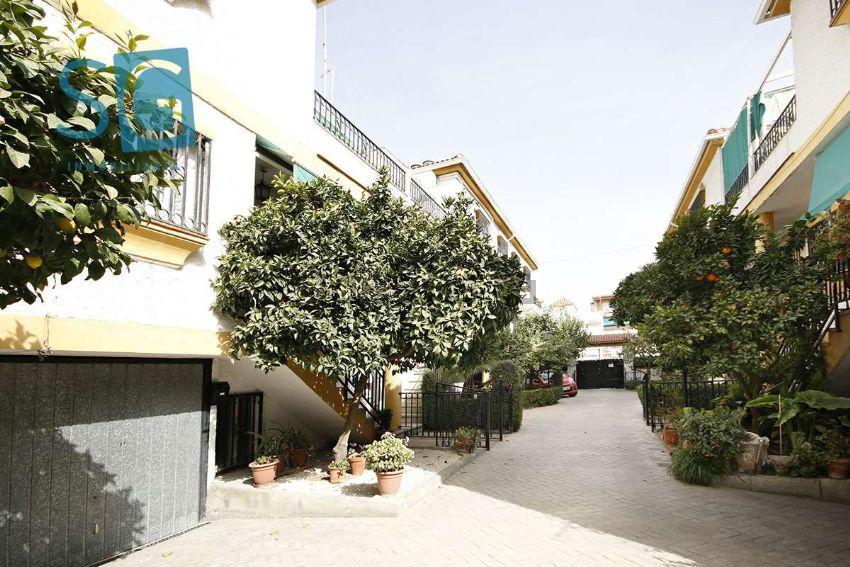 Chalet adosado en calle MONACHIL, Zaidín, Granada