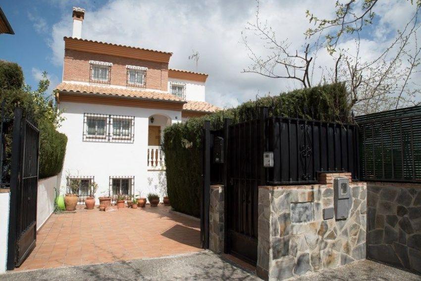 Casa o chalet independiente en calle Clavel, Cajar