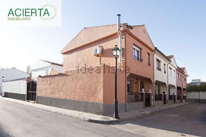 Chalet adosado en calle El puerto, Las Flores - La Huerta, Las Gabias