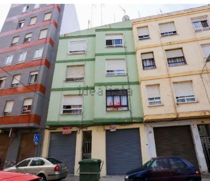 Piso en calle de Bernat Artola, Zona Plaza Illes Columbretes, Castellón de la Pl