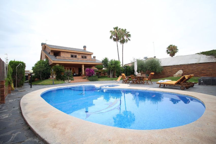 Casa o chalet independiente en AV LA TOSCANA, 4, Almarda