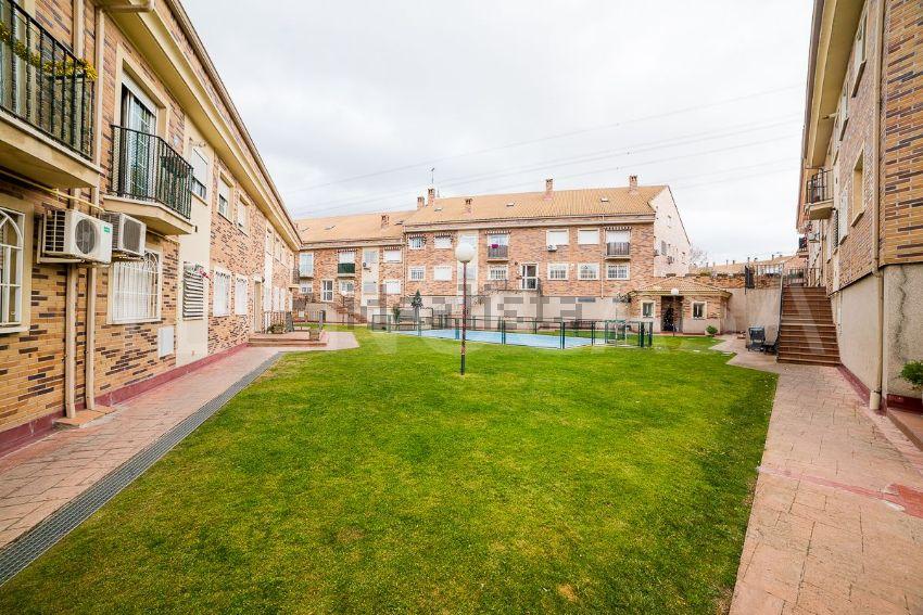 Piso en calle de la Acequia, s n, Casco Antiguo - La Dehesa - Los Monteros, Arro