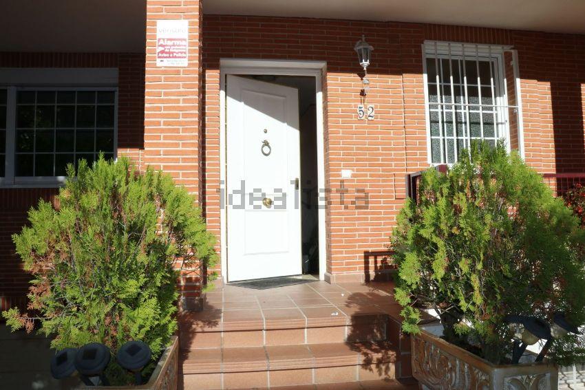 Chalet adosado en calle de Mario Vargas Llosa, 52, Los Llanos - Valle Pardo, Vil