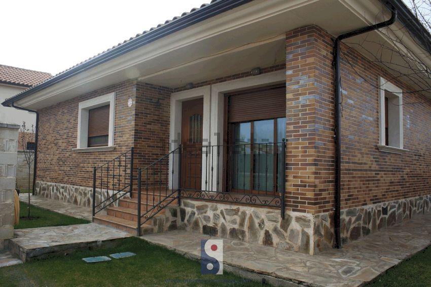 Casa o chalet independiente en calle Leon Felipe, Moraleja del Vino