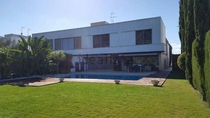 Chalet pareado en venta en avenida Pan de Alcalá, Campo de Golf ...