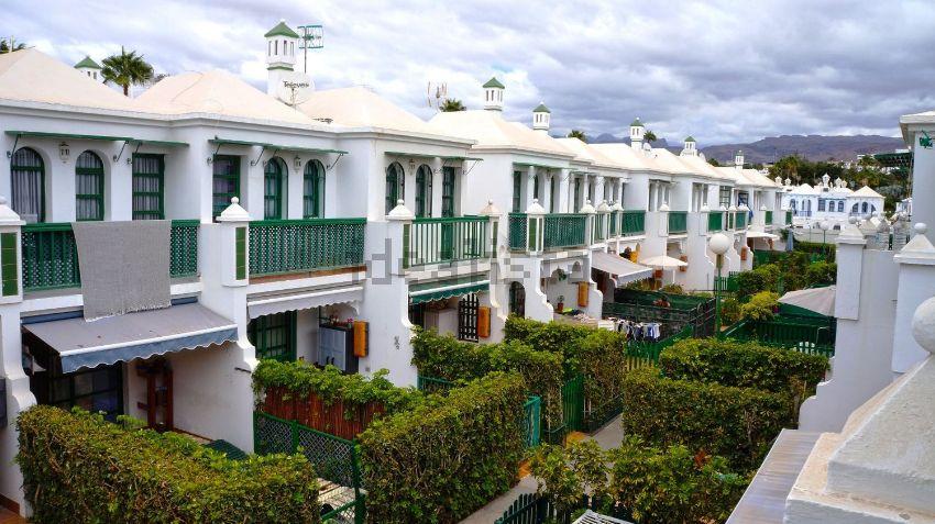 Chalet adosado en avenida Touroperador Neckermann, Maspalomas-Meloneras, San Bar