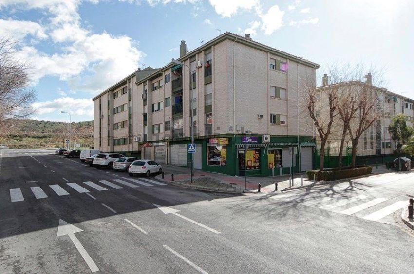 Piso en calle Matilde de la Torre, 1, Parque Nueva Granada, Granada