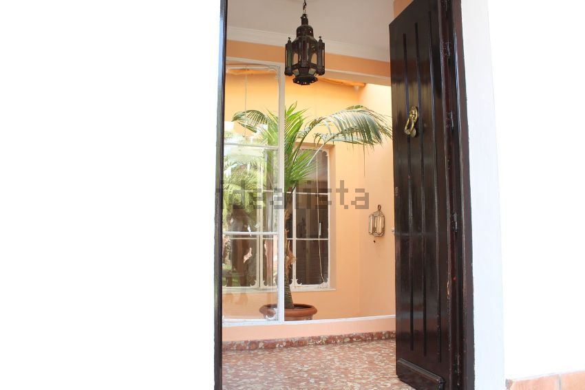 Casa o chalet independiente en calle Pino Carrasco, Oromana, Alcalá de Guadaira