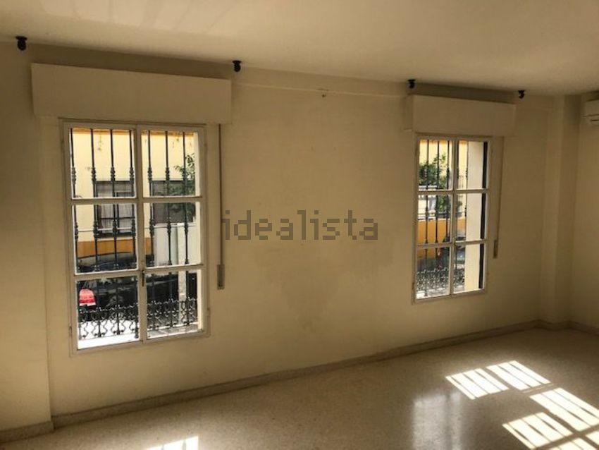 Piso en calle Vicente Flores Navarro, 8, Ronda de Triana-Patrocinio-Turruñuelo,