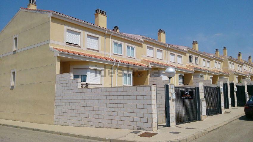 Chalet adosado en Geranios, Montalbo