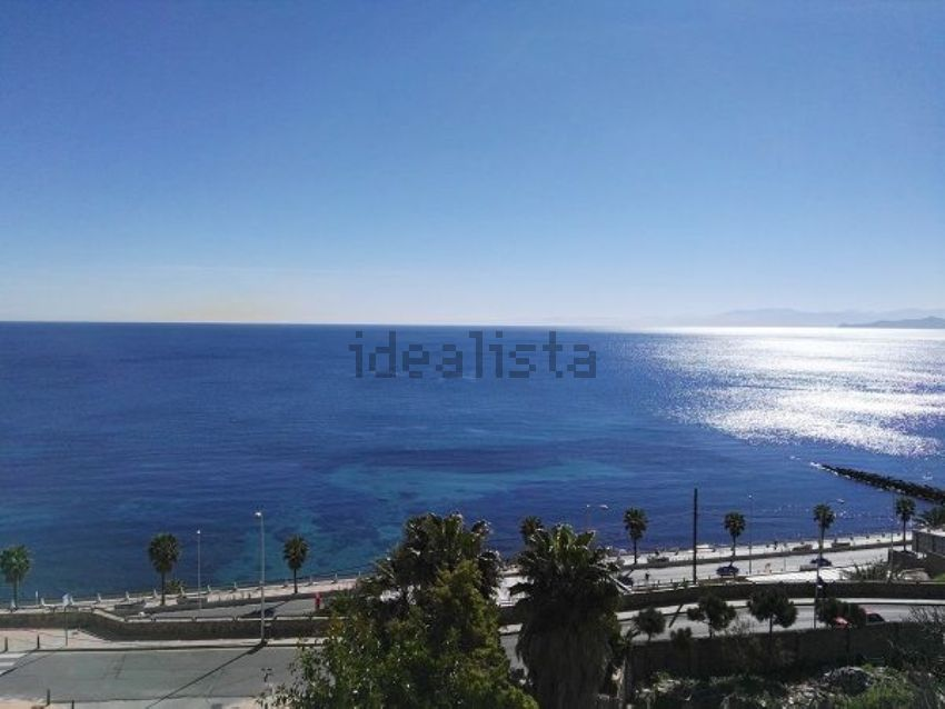 Piso en Zona Muelle - Extrarradio , Ceuta