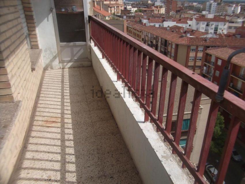 Piso en calle de Florentino Ballesteros, Las Fuentes, Zaragoza
