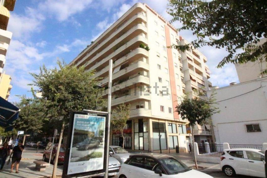 Piso en avenida Antonio Belón, s n, Playa Bajadilla-Puertos, Marbella