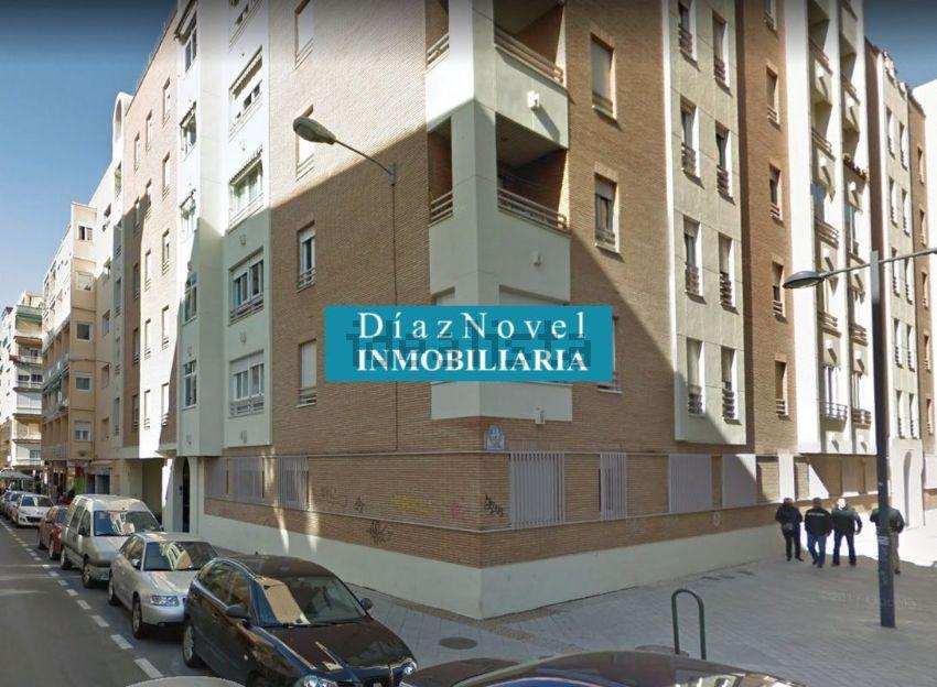 Ático en calle Profesor Sainz Cantero, Centro, Granada