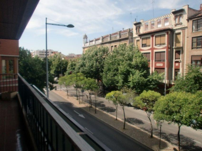 Piso en avenida Casado del Alisal, Centro, Palencia