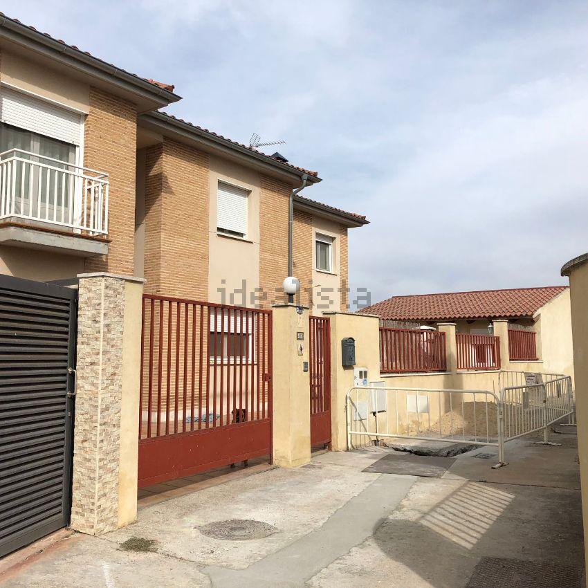 Chalet pareado en calle la via, 8, Villanubla
