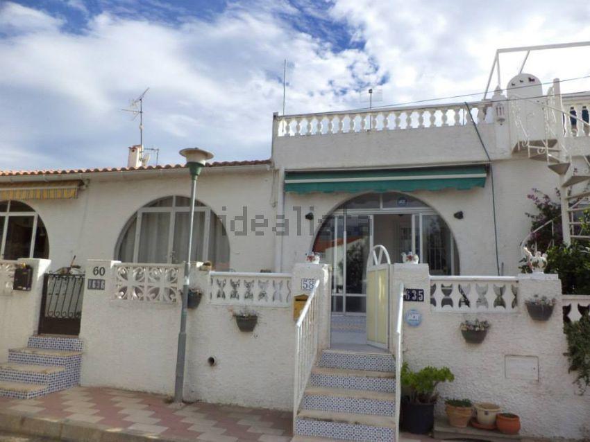 Chalet adosado en calle Carreño, 58, La Siesta - El Salado - Torreta, Torrevieja