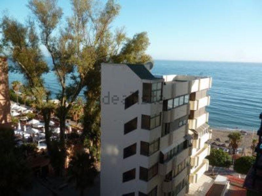 Piso en paseo Marítimo, Playa de la Fontanilla, Marbella