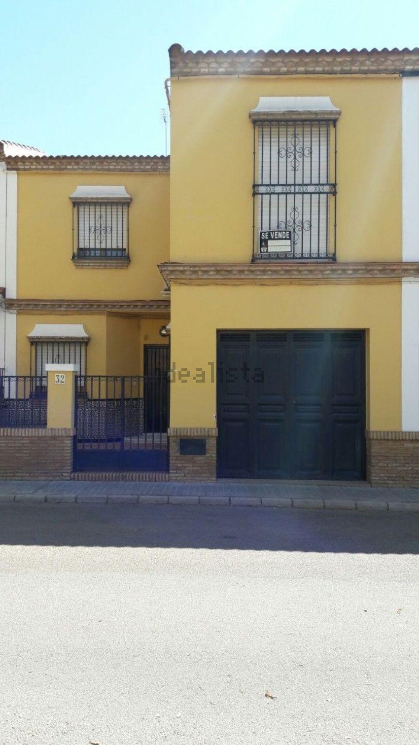 Chalet adosado en calle Al Mutamid, 32, Mairena del Alcor