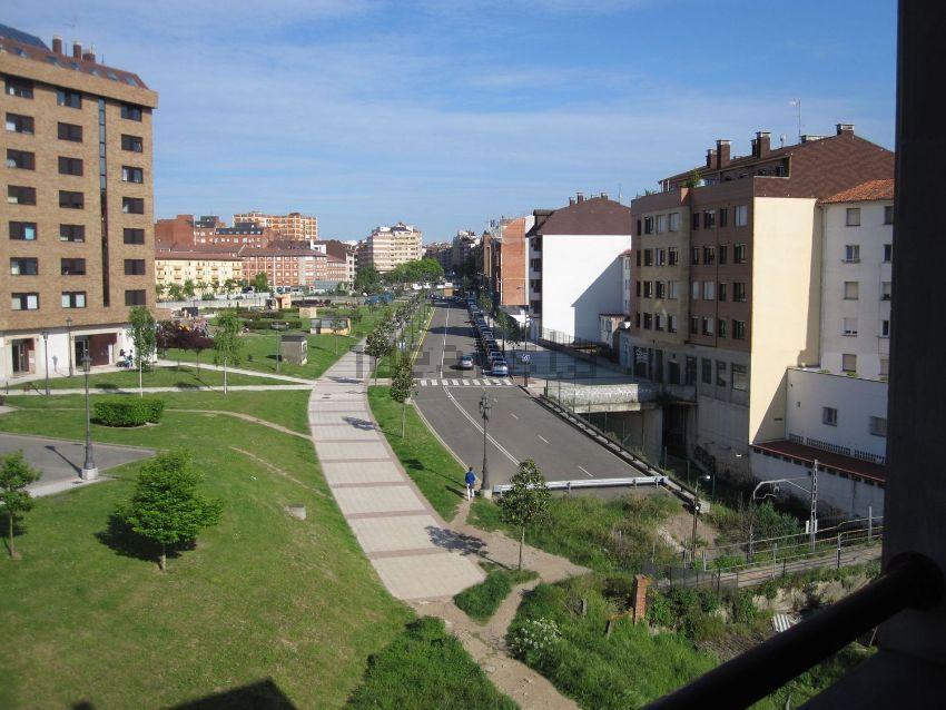 Piso en calle Aurora de Albornoz, Vallobín, Oviedo