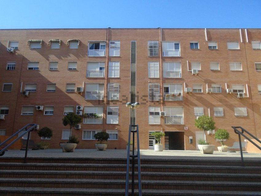 Piso en calle Parroco Antonio Gonzalez Abato, s n, Su Eminencia - La Oliva, Sevi