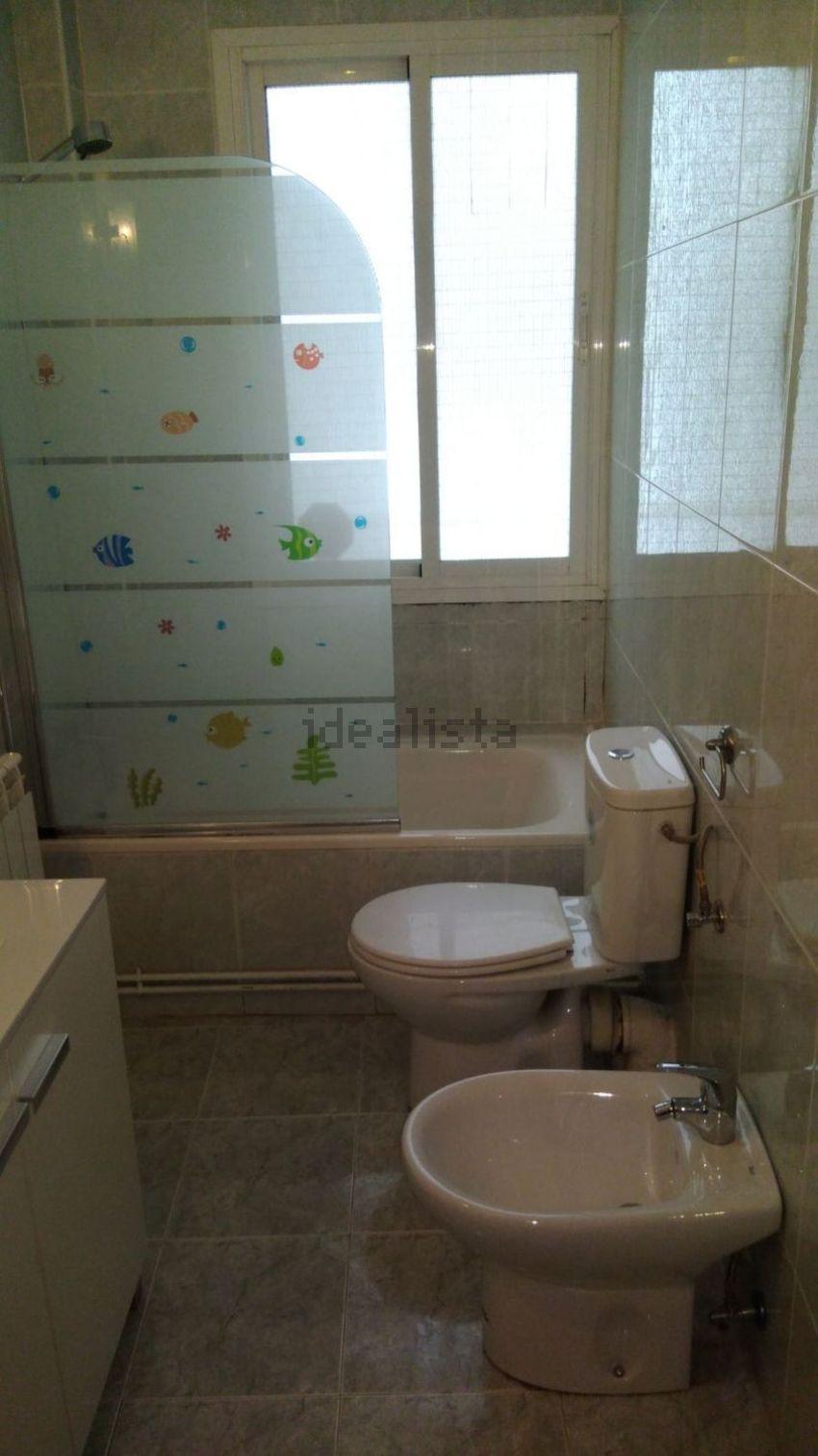 Piso en PISO EN PARQUE DE LAS AVENIDAS C . BAYONA, 670706629, Guindalera, Madrid