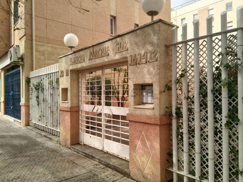 Piso en calle Parroco Antonio Gonzalez Abato, 12, Su Eminencia - La Oliva, Sevil