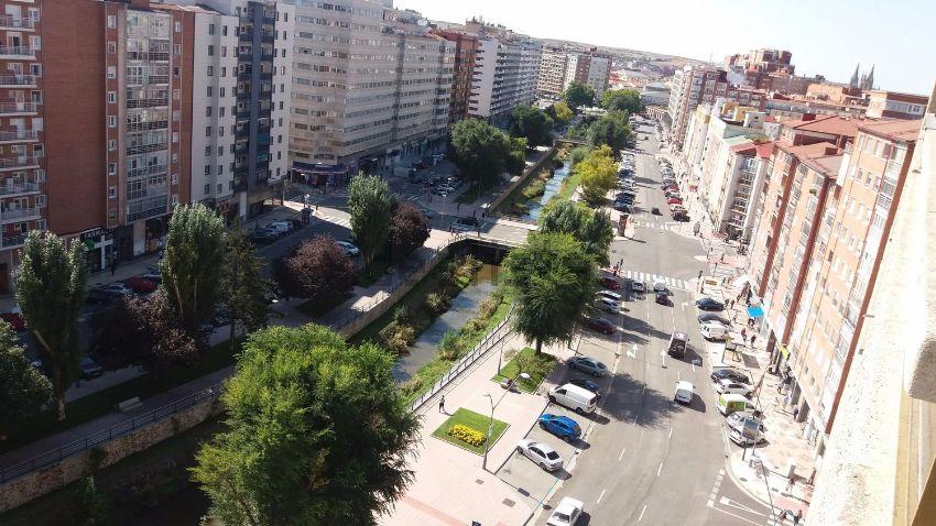 Piso en avenida Reyes Católicos, 39, Centro, Burgos