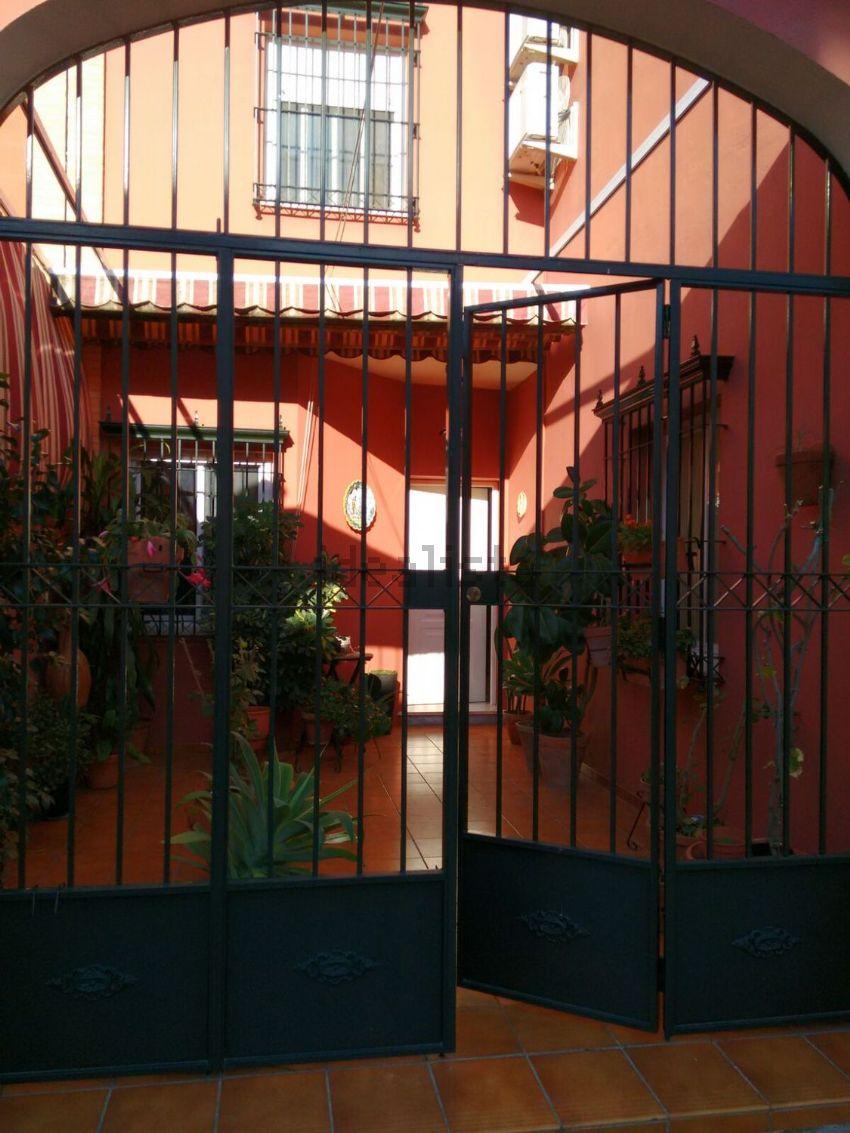 Chalet adosado en calle Fernando de Rojas, 21, Mairena del Alcor