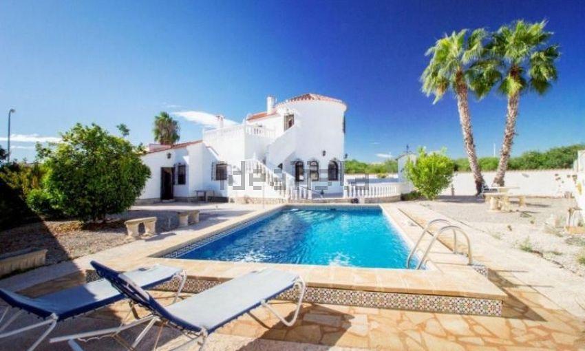 Casa rústica en calle velázquez, La Siesta - El Salado - Torreta, Torrevieja